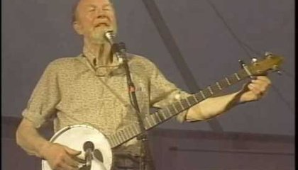 Preview thumbnail for video 'The U.S. National Anthem (Star Spangled Banner) by Pete Seeger