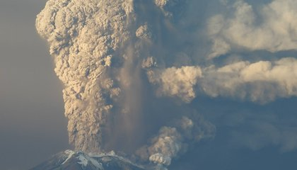 Watch A Dangerous Yet Lovely Volcano Erupt in Chile