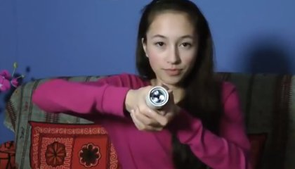 This Flashlight Is Powered by the Touch of Your Hand