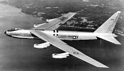 In 1957, The U.S. Flew a Jet Around the World to Prove it Could Drop a Nuclear Bomb Anywhere