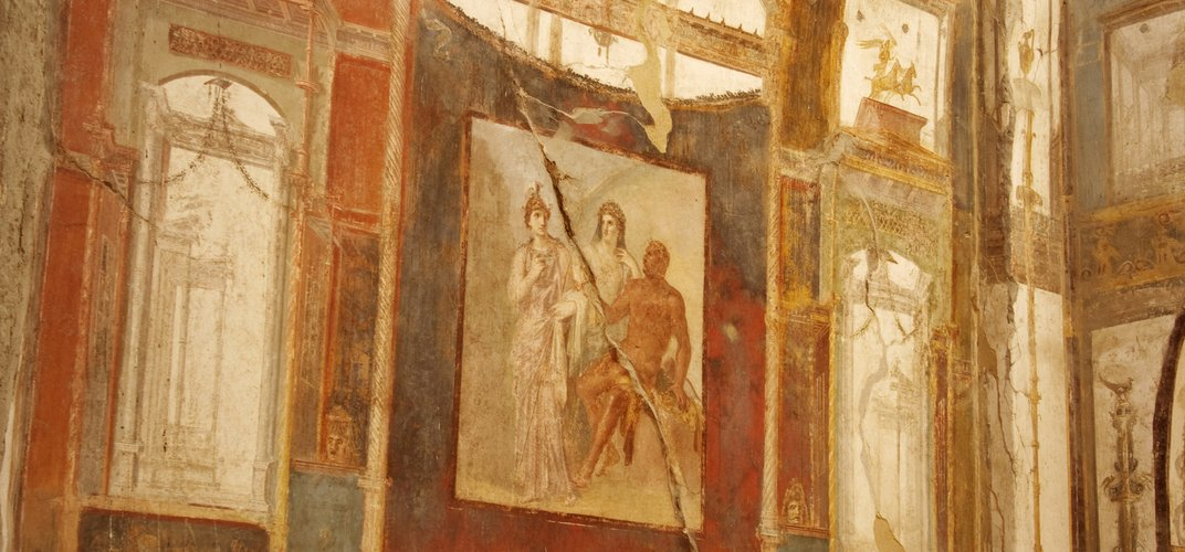 Room decorated with frescoes in Herculaneum