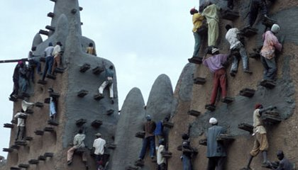 How the City of Mud Stays Standing: Meet the Masons of Djenné, Mali