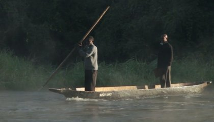 Here's How to Make a Canoe Out of a Tree Trunk