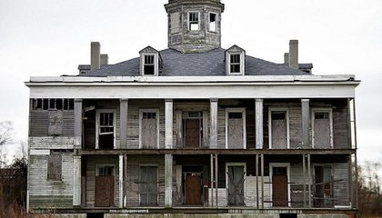 Ghost Hunters Burn Down Historic Mansion