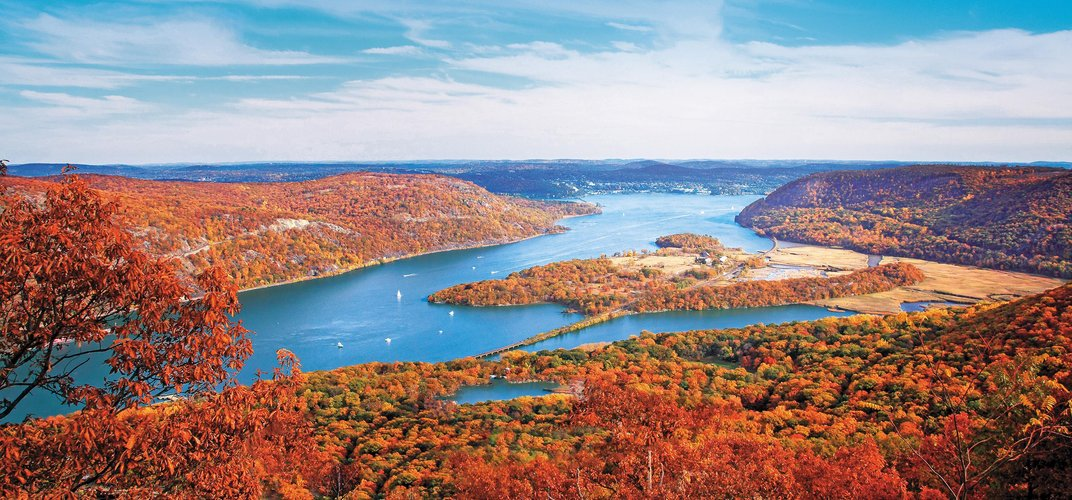 The Hudson River in autumn
