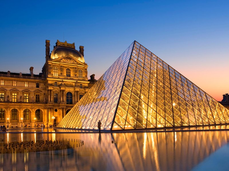 This summer the louvre s pyramid will disappear smart news s - Pyramide du louvre 666 ...