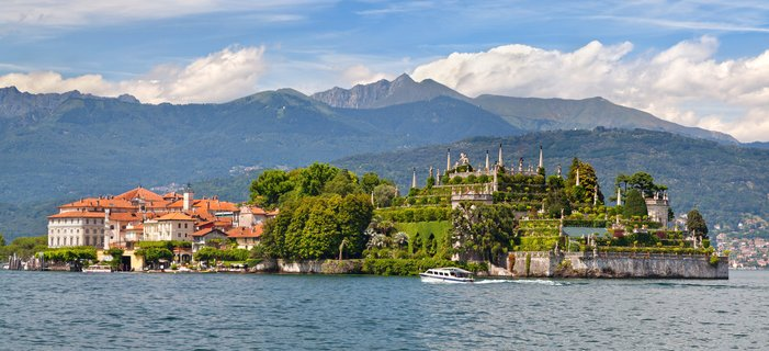 A Stay in Italy's Lake District <p>Join us on a unique stay program in Italy&rsquo;s breathtaking Lake District and experience a region that has inspired painters, writers, and poets as you enjoy&nbsp;<em>la dolce vita.&nbsp;</em></p>