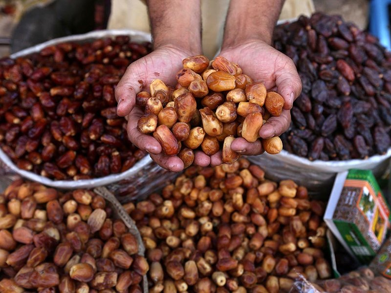 Date vender in Pakistan