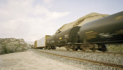 Shale Oil May be Making Railroad Oil Transport More Dangerous