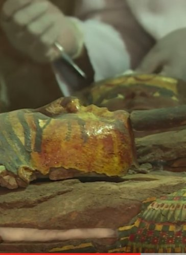 Caption: Mummies, More Than 1,000 Statues Found in Egypt