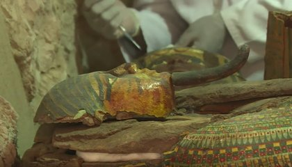 Mummies and More Than 1,000 Statues Found in Egyptian Tomb