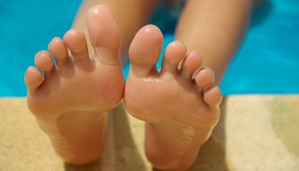 People Can't Tell Which of Their Toes Is Being Touched