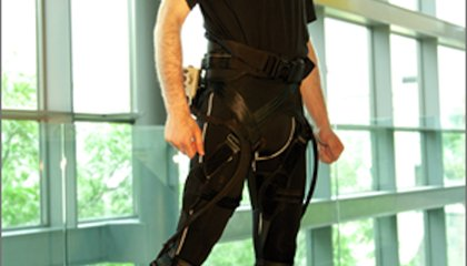 A High-Tech, Strength-Boosting Exoskeleton Doesn't Have to Be Heavy