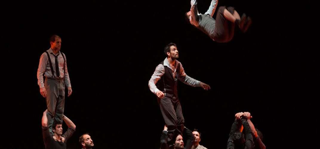Compagnie XY performs a circus-arts piece. Credit: Chrisophe Raynaud de Lage