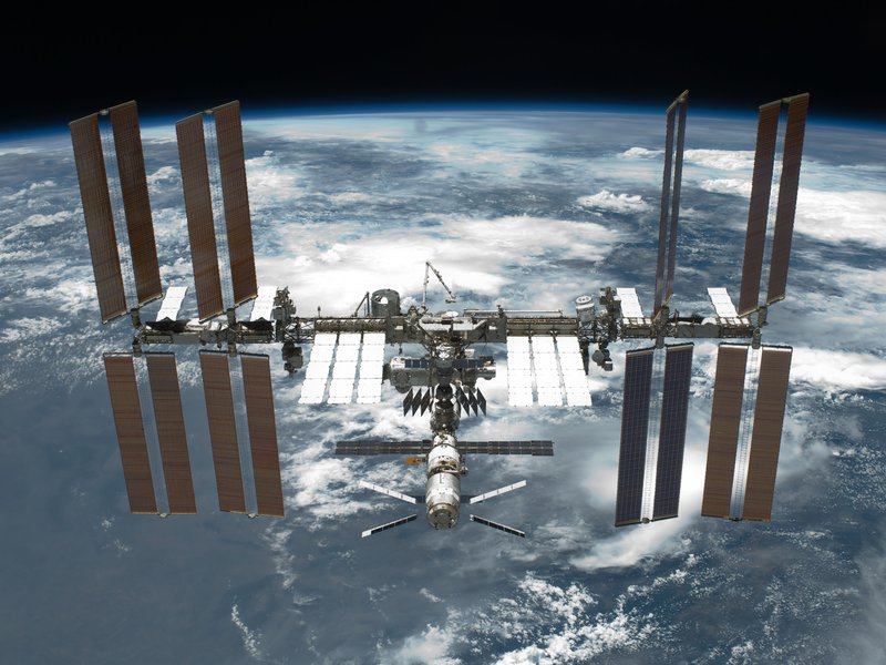 01_09_2014_space station.jpg