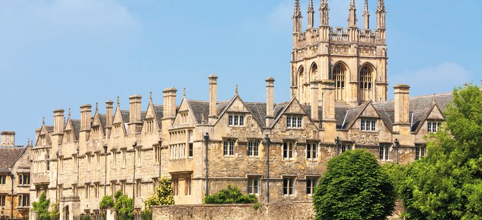 Smithsonian at Oxford <p>Spend a week living at historic Oxford University and sample life as a student at Merton College.&nbsp;Study with renowned Oxford tutors and delve into one of four fascinating courses.</p>
