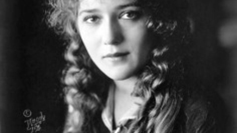Mary Pickford as photographed by the Handy Co.
