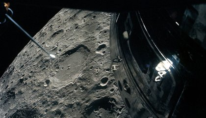 apollo 13 passing  moon