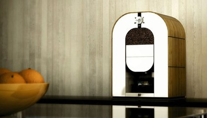 All-in-One Coffee Machine Turns Raw Beans Into a Freshly Brewed Cup