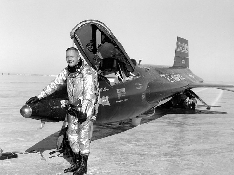 Pilot_Neil_Armstrong_and_X-15.jpg