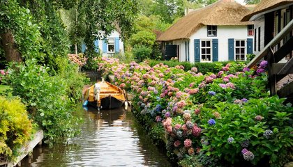 Get Lost in a Maze of Storybook Canals in this Dutch 'Venice'