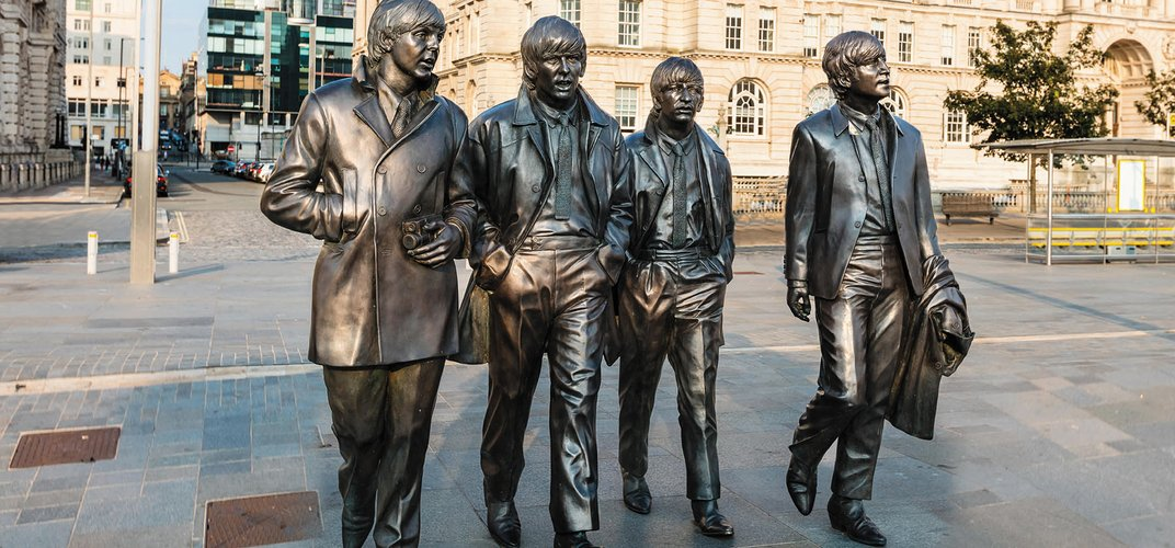 Sculpture of The Beatles by Andrew Edwards, Liverpool. Credit: Debu55y / Alamy