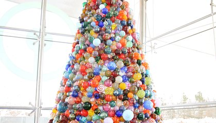 This One-of-a-Kind Christmas Tree Is Made of 2,000 Handmade Glass Ornaments