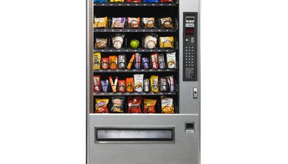 Brief Vending Machine Delay Helps People Make Better Snack Choices