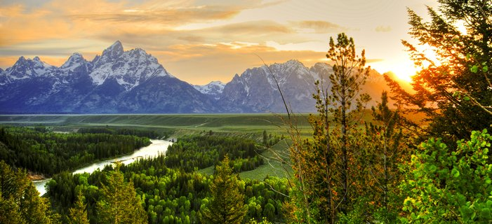 Yellowstone and Grand Teton Adventure <p>Experience some of America&#39;s most dramatic scenery as you take leisurely hikes through historic Yellowstone and Grand Teton National Parks, renowned for plentiful wildlife and geological features ranging from panoramic mountains to waterfalls, geysers, and hot springs.</p>