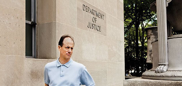 Thomas Drake outside Department of Justice