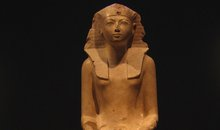 Hatshepsut a queen of two worlds
