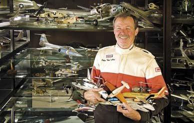 Hoot-with-planes.jpg