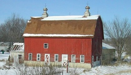 Barns Are Painted Red Because of the Physics of Dying Stars