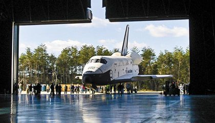Space Shuttle Enterprise Arival at UHC