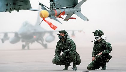 During Desert Storm, most fighters packed Sidewinders: F-16s armed with the missiles await the next mission.