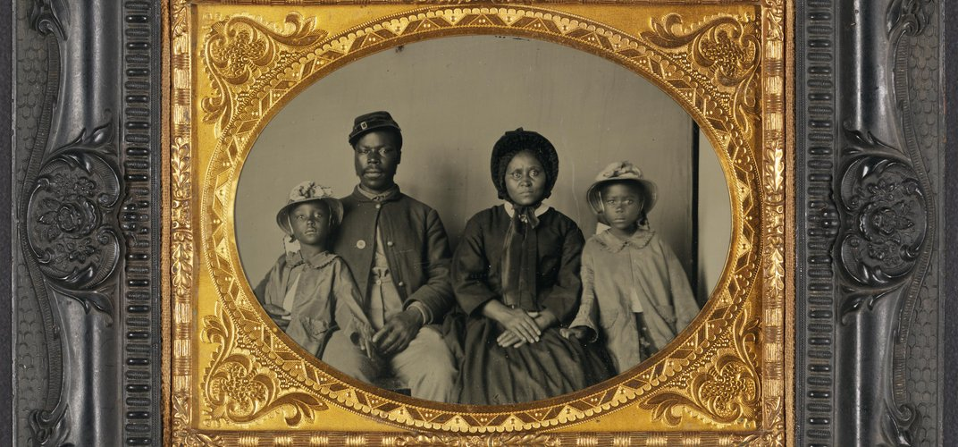 Family portrait following emancipation. Credit: Library of Congress