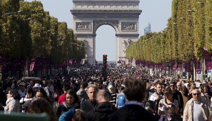 A Car-Free Day in Paris Cut Pollution by 40 Percent