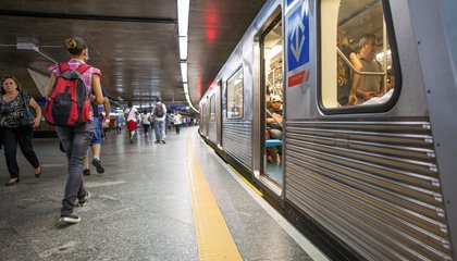 In Brazil, Subway Reading Means a Ticket to Ride