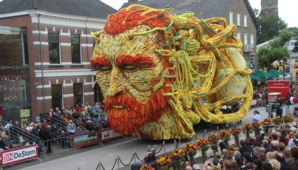 There Are About 600,000 Dahlias on These Van Gogh Themed Floats