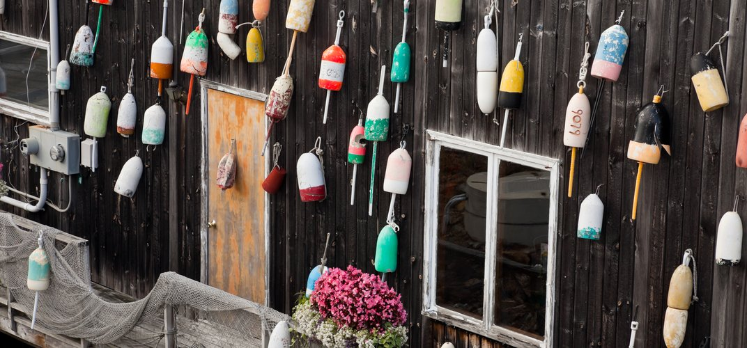 Traditional decor in Maine