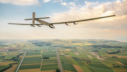This Solar-Powered Plane is Currently Circumnavigating the World