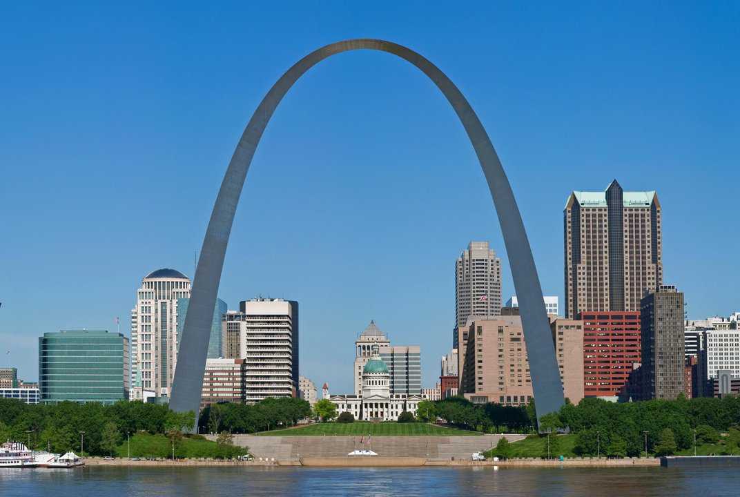 The twisted history of the gateway arch history for Architect st louis mo