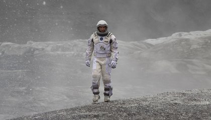 """Why """"Interstellar"""" Belongs in the Pantheon of the Best """"Realistic"""" Science Fiction Films"""