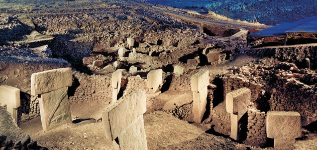 https://thumbs-media.smithsonianmag.com/filer/gobeklitepe_nov08_631.jpg__800x600_q85_crop.jpg
