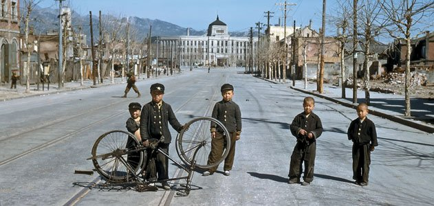 Children in Seoul in the winter of 1950-1951