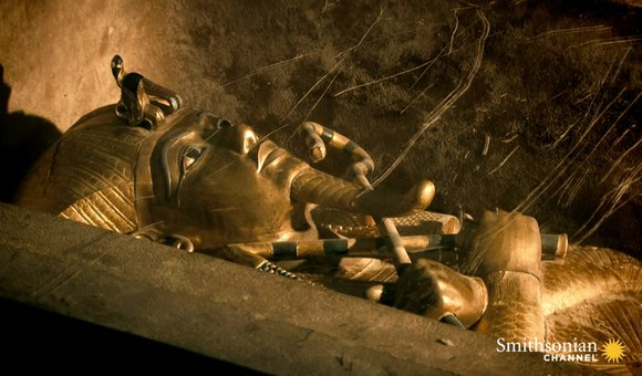 Preview thumbnail for video'Was King Tut's Tomb Built for a Woman?