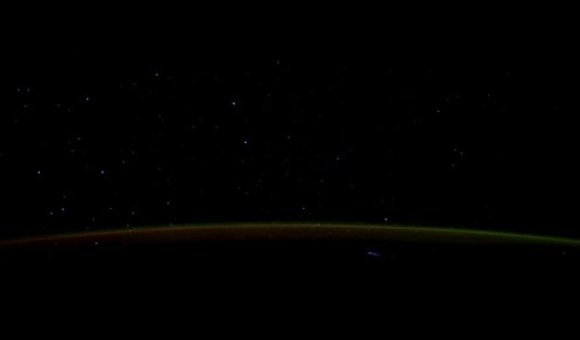 Preview thumbnail for video'Comet Lovejoy from the ISS