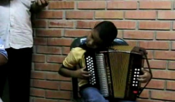 Preview thumbnail for video'Colombia Dispatch Video: Turco Gil's Accordion Academy