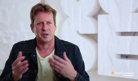 Preview thumbnail for video'Smithsonian Ingenuity Awards: Doug Aitken