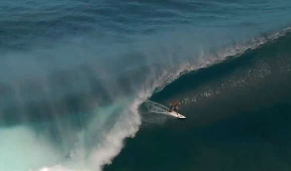 Preview thumbnail for video'Hang Ten With Kelly Slater in Fiji